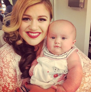 kelly-clarkson-river-gallery-1