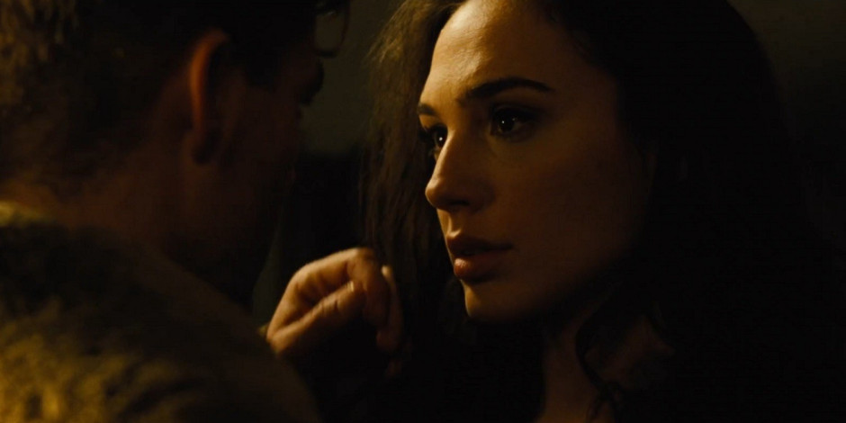 wonder-woman-trailer-2-diana-and-steve-kiss