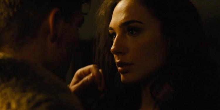 wonder-woman-trailer-2-diana-and-steve-kiss